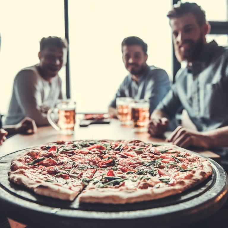 £10 Pizza/Nachos plus a Drink Offer